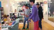 《极光之恋》花絮:朱晓鹏搞笑担当霸屏!近墨者黑,把同事都传染了!