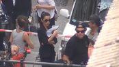 李冰冰《变4》杀青宴请搭档斯坦利图齐亲密拥抱握手飞吻 20131104