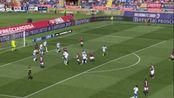 第43分钟博洛尼亚球员埃里克·普尔加射门