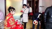 安徽小伙打工3年飞黄腾达,娶浙江媳妇,红地毯铺了好长一段路