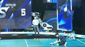 鲍春来精准击球,无人机突然摔地,撒贝宁直言打它!