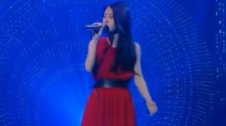 张碧晨翻唱陈奕迅的《你给我听好》
