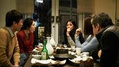 《独自在夜晚的海边》香港版预告片