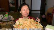陕西凉皮,这也太多了。看的像黄瓜凉菜。。